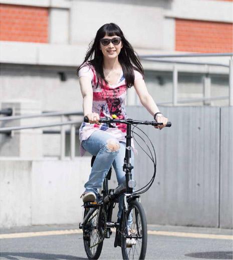 自転車に乗るときに、サングラス