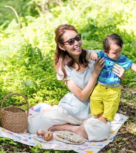 子供とピクニックでも、サングラスをかけたい